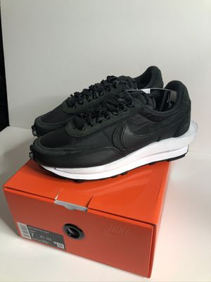Nike sacai black nylon size 7 brand new for Sale in Bellevue, WA