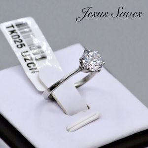 TK025 Stainless Steel Solitaire Ring Size 9 or 10 for Sale in Fresno, CA