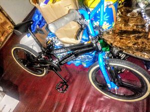 special today only 20 inch Tony Hawk BMX freestyle bike in excellent condition asking $100 cash price is firm for Sale in Woodburn, OR