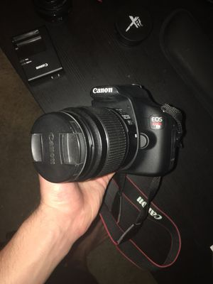 Canon rebel t5 with lenses and carrying bag plus more for Sale in San Diego, CA