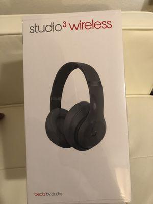 NEW -Studio 3 wireless beats headphones for Sale in Alexandria, VA