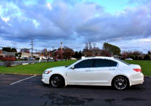 Good tires 2008 Accord  for Sale in Lansing, MI