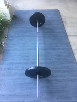 6ft Standard Bar/100 lb in weights for Sale in Riverside, CA