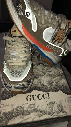 Gucci shoes - size 7 (37) for Sale in Seattle, WA