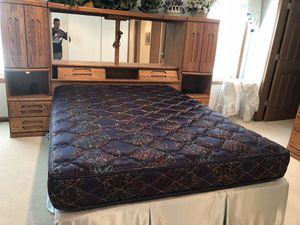 Bedroom set ( queen size ) for Sale in St. Louis, MO