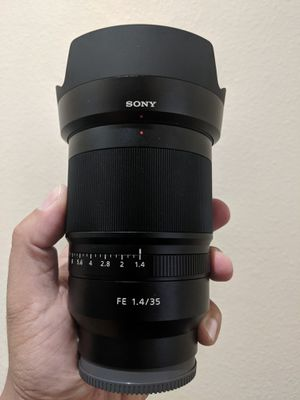 Sony Zeiss SEL35F14Z Distagon T FE 35mm f/1.4 ZA for Sale in Long Beach, CA