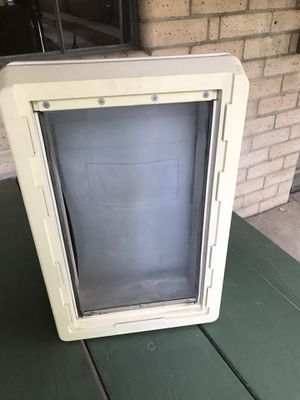 XL Ruffweather dog doggie door - complete no issues for Sale in Fresno, CA
