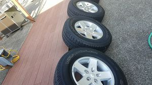 Jeep wheels tires 255 75 17 set of 4 for Sale in Renton, WA