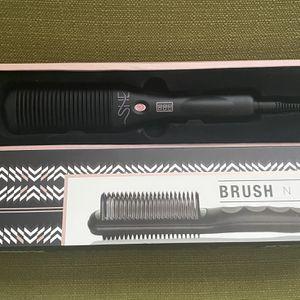 She by Beyond the Beauty Straightener Brush N-Go Hair Brush for Sale in Henderson, NV