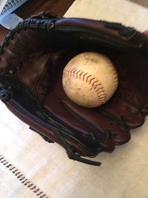 New Adult Softball Glove for Sale in Payson, AZ
