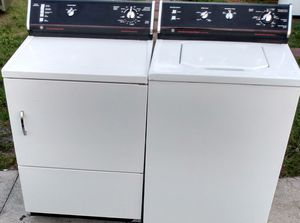 BEAUTIFUL SUPER STRONG SUPER CLEAN HEAVY DUTY WASHER DRYER SET PRICE FIRM for Sale in West Palm Beach, FL