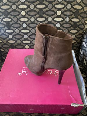 High heels size 9 for Sale in Fort Leonard Wood, MO