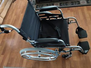 Hi-Fortune Wheelchair Lightweight with Travel Bag for Sale in Los Angeles, CA
