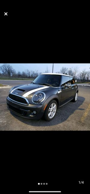 Mini cooper super charge 6 speed for Sale in Redford Charter Township, MI