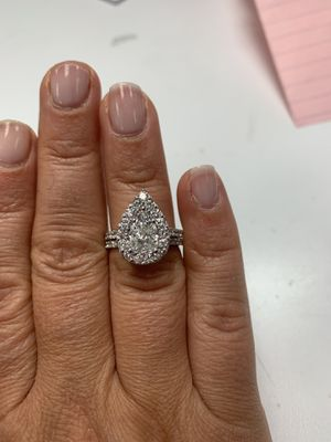 Diamond Engagement Ring and Wedding Band Set for Sale in Chicago, IL