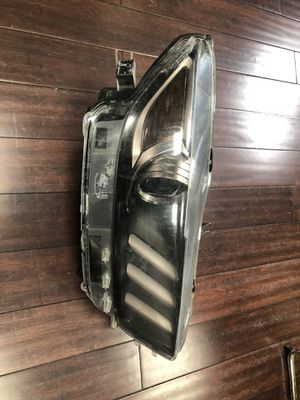 Front right Ford Mustang headlight 2015-2018 for Sale in Bladensburg, MD