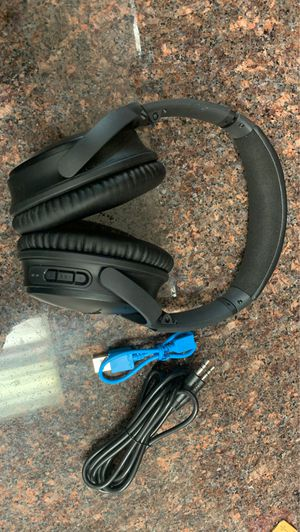 Bose headphones qc35 for Sale in Austin, TX