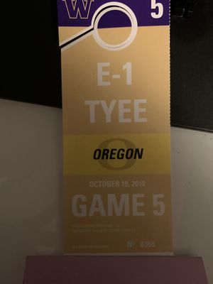 Husky Tyee E1 Montlake parking pass for Oregon game for Sale in Woodinville, WA