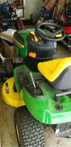 John Deere lawn tractor for Sale in Bloomington, IL