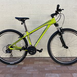 Specialized Hardrock small mountain bike for Sale in Tucson, AZ