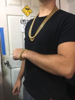 18k yellow gold plated Miami Cuban Chain for Sale in New York, NY