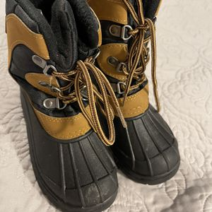 Snow / Winter Boots For Kids for Sale in Orange, CA