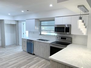 8' Modern Kitchen Cabinets and Countertop all Included for Sale in Miami, FL
