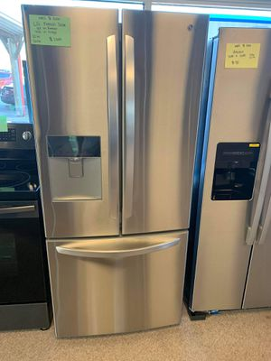Brand New 30W LG French Door Refrigerator for Sale in Moyock, NC