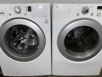 LG TROMM WASHER DRYER SET ELECTRIC for Sale in Vancouver,  WA