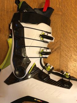 Dynafit Beast Carbon Touring Ski Boots for Sale in Issaquah,  WA