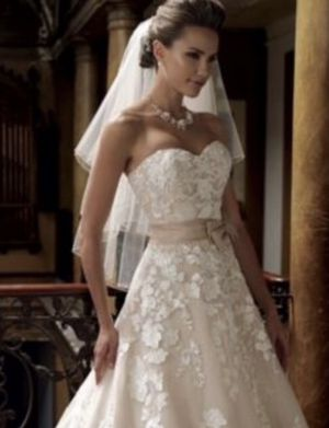 Wedding dress for Sale in Natrona Heights, PA