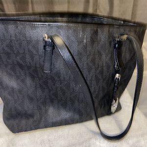 Michael Kors Black Tote Purse for Sale in Los Angeles, CA