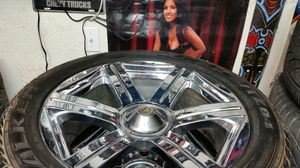 "Wheels and tires 22"" 6 lug universal for Sale in Riverside, CA"