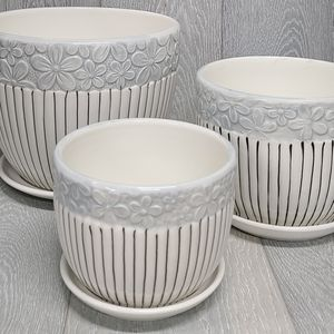 Plant pot, vase or planter whit white/blue flower decor and black stripes. 3pc Set for Sale in Hacienda Heights, CA