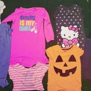 Size 8 Young Girl Bundle 25 Pieces. for Sale in Salinas, CA