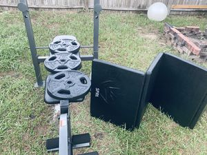 Golds gym bench with weights for Sale in Brandon, FL