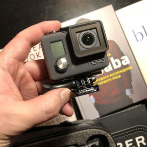 Gopro Wearable Camera Hero Chdha-301-Jp + Quickpod Selfie for Sale in Queens, NY