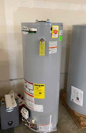 NEW AO SMITH WATER HEATER WITH WARRANTY 40 gallon 2FE for Sale in Houston, TX