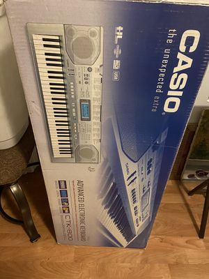Casio keyboard for Sale in Palatine, IL