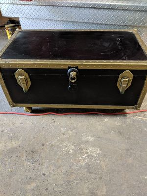 Trunk, use as storage, coffee table foot of bed for Sale in Charleston, WV