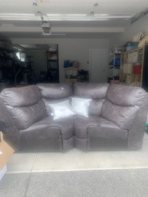 Lazy boy sectional for Sale in Steilacoom, WA