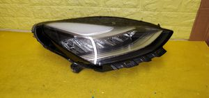 2018 - 2019 TESLA 3 TESLA3 RIGHT PASSENGER SIDE HEADLIGHT LED ASSEMBLY USED OEM. B64 for Sale in Compton, CA