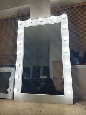 XXL makeup floor vanity mirror for Sale in March Air Reserve Base, CA
