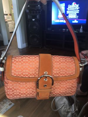 Coach small handbag mint condition, used a few x's for Sale in Cleveland, OH