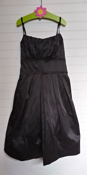 Prom or homecoming black matte satin size L dress for Sale in Tacoma, WA