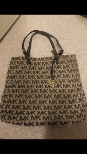 Michael Kors logo tote (authentic) for Sale in Seattle, WA