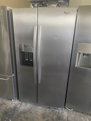 WHIRLPOOL STAINLESS STEEL SIDE BY SIDE COUNTER DEPTH for Sale in Santa Ana, CA