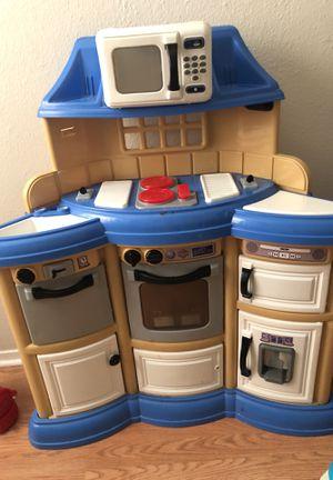 Kid toy kitchen for Sale in San Antonio, TX