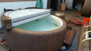 Legend 220 soft tub hot tub for Sale in Southbridge, MA