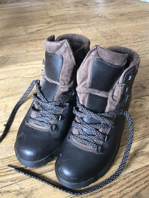 Women's size 8 EMS Vibram sole hiking mountaineering climbing snow boot for Sale in Longmont, CO